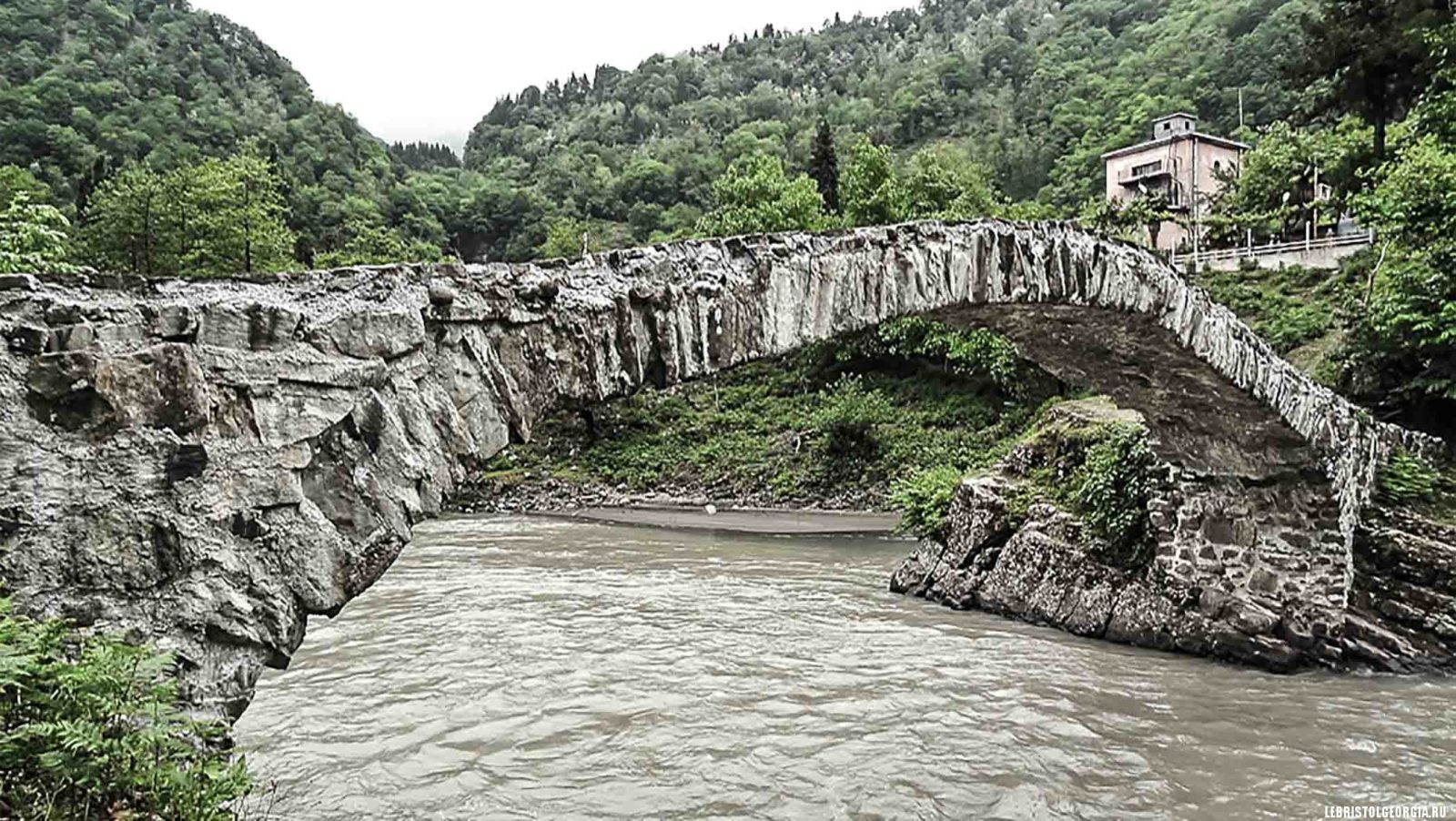 арочный мост фуртио