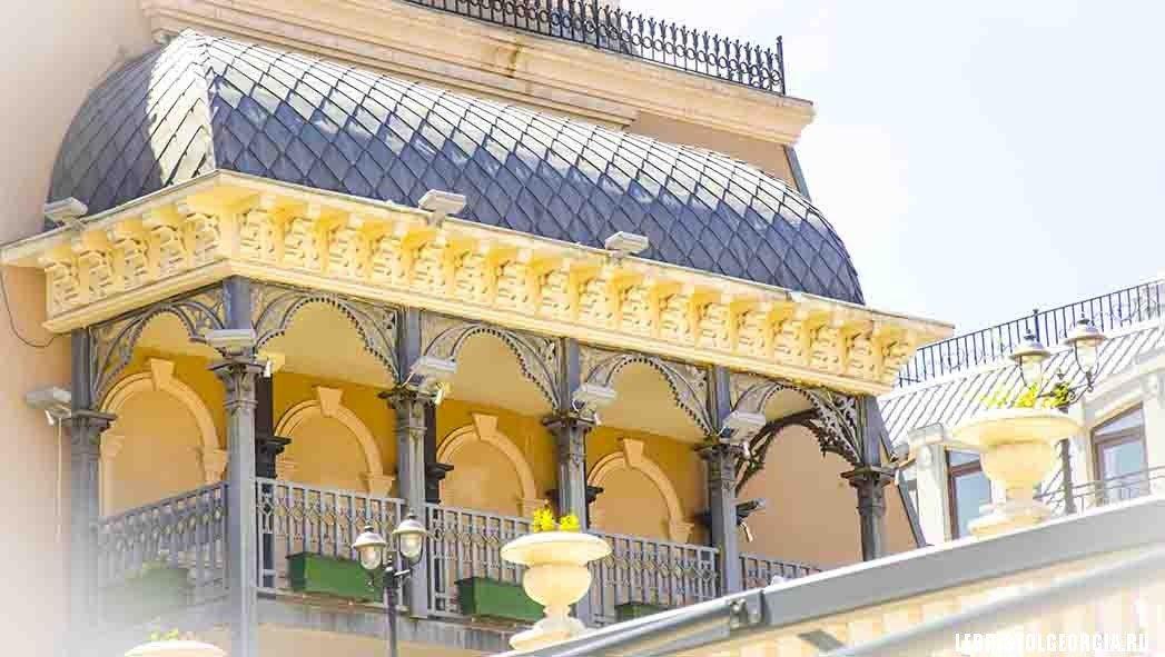 балкон на пощади Пьяцца Грузия
