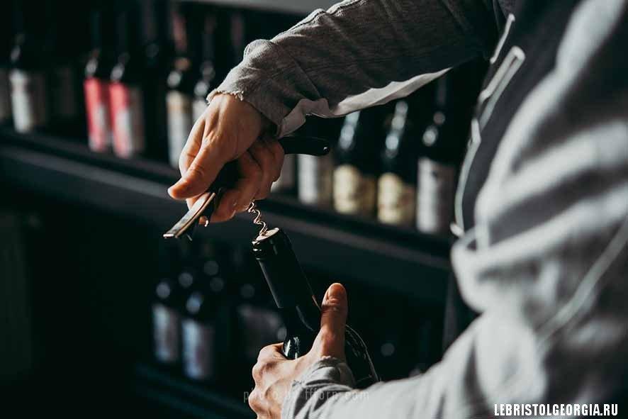 открываем вино Тбилиси DecanTer